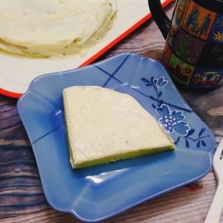 Cách làm bánh crepe trà xanh kem tươi