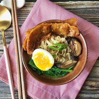 Cách làm mì udon súp miso và thịt heo cay