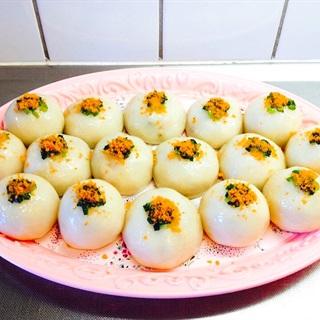 Cách làm bánh ít trần nhân tôm thịt đậu xanh