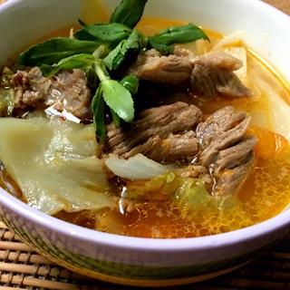 Cách làm Canh Thịt Bò Nấu Cải Chua thơm ngon khó cưỡng