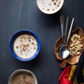 Cách làm Chè Đậu Phộng Cốt Dừa lá dứa chuẩn vị Indonesia