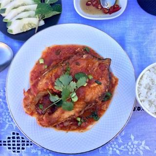 Cách làm Cá Hồi Chiên Sốt Cà Chua với sốt đậm đà thấm thịt