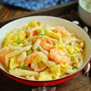 Cách làm Trứng Xào Tôm nấm linh chi trắng đơn giản tại nhà