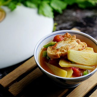 Cách làm Đậu Hũ Sốt Cà Chua khoai tây cho bữa cơm chay