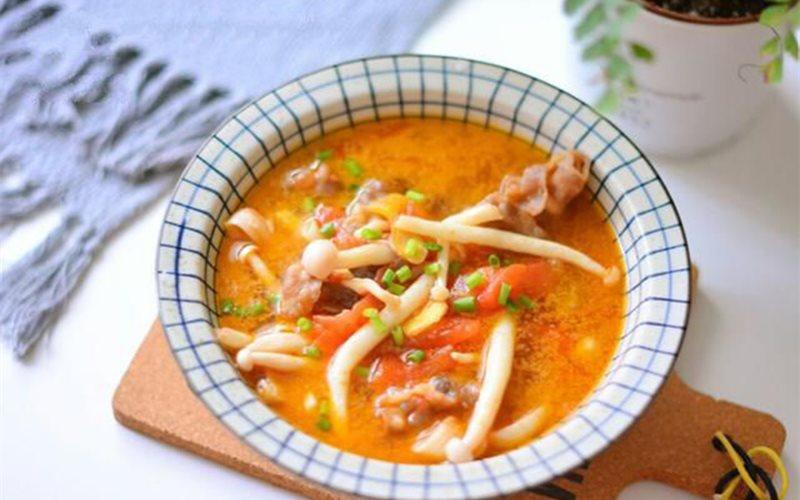 Cách nấu Canh Thịt Bò Nấm Linh Chi Trắng cà chua thanh mát