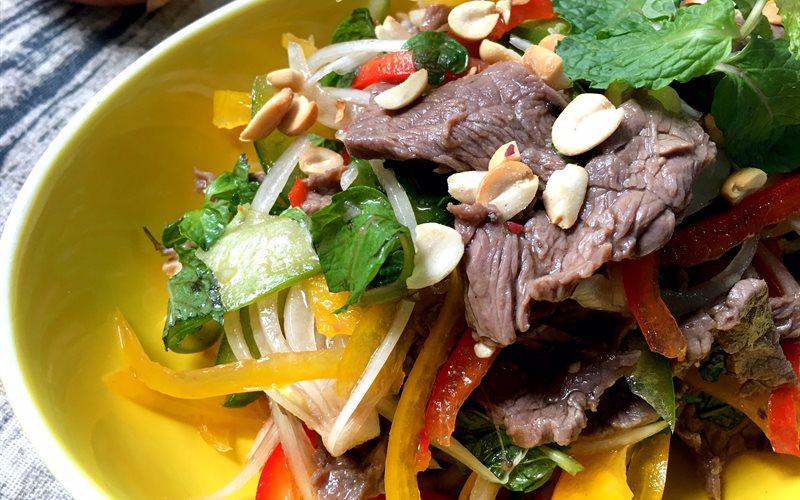 Cách làm Gỏi Thịt Bò Ớt Chuông chua ngọt giòn sựt hấp dẫn