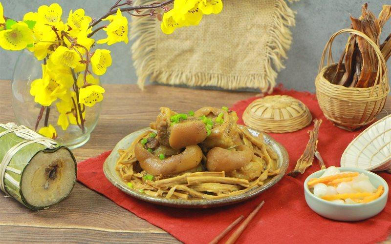 Cách nấu Chân Giò Hầm Măng Khô ngon tuyệt dành cho những ngày Tết