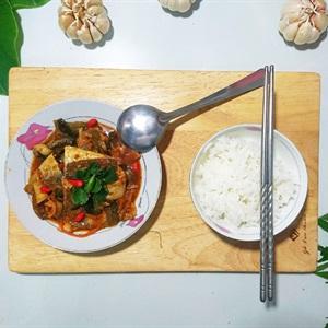 Cá nục kho kim chi cải chua
