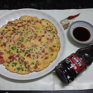 Trứng chiên cà chua chấm nước tương CHIN-SU
