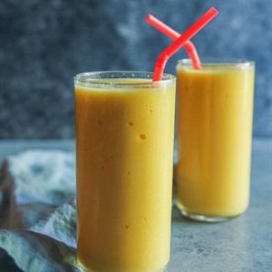 Sinh tố cam xoài thơm chua ngọt
