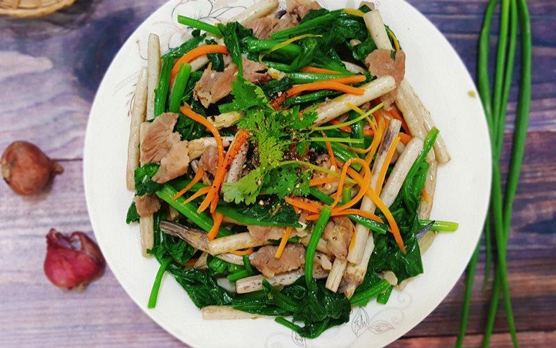 Cách làm Ngó Sen Xào Thịt Heo cải bó xôi dinh dưỡng