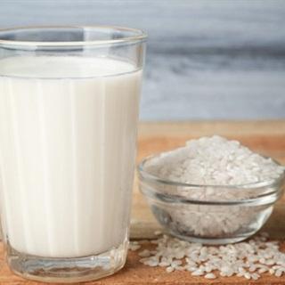 Cách nấu Sữa Gạo Rang đơn giản bổ dưỡng cho bé tại nhà
