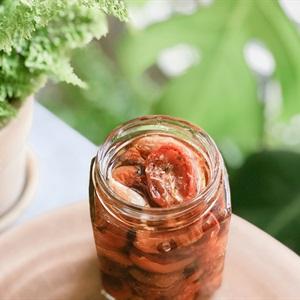 Cà chua sấy ngâm dầu oliu