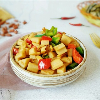 Cách làm Củ Sen Xào Ớt Chuông Thanh Đạm cho bữa ăn chay