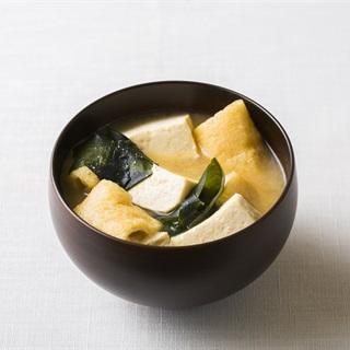 Cách làm Súp Miso Rong Biển, Đậu Phụ Và Đậu Rán kiểu Nhật