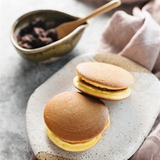 Cách làm Bánh Rán Dorayaki nhân đậu đỏ đơn giản tại nhà