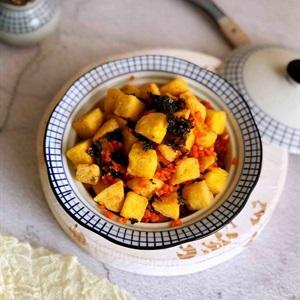 """Bánh bao tẩm trứng chiên <a href=""""https://www.rongbienhanquoc.net/san-pham.html"""" _fcksavedurl=""""https://www.rongbienhanquoc.net/san-pham.html"""">rong biển</a>"""