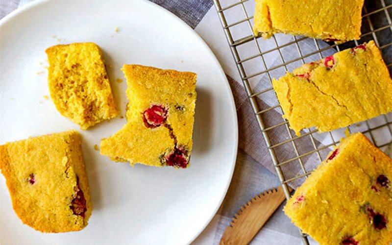 Cách làm Bánh Bắp Nam Việt Quất chua ngọt và xốp mềm