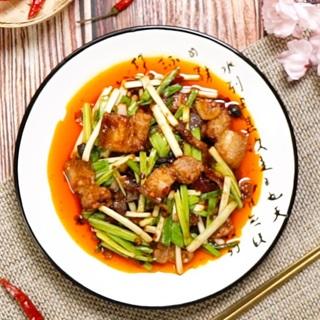 Cách làm Thịt Heo Xào Cay hấp dẫn, ngon khó cưỡng tại nhà