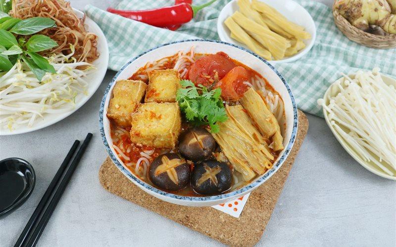 Cách nấu Bún Thái Chay vị chua cay và đậm đà, cho cả nhà