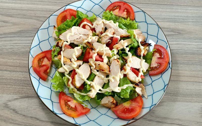 Cách làm Salad Ức Gà Nướng - Japanese Style ăn kiêng