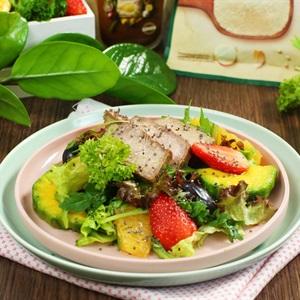 Salad mùa hè sốt táo xanh