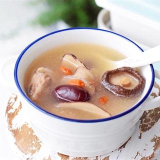 Cách nấu Súp Sườn Nấm Đông Cô dừa và táo đỏ, cực thơm ngon