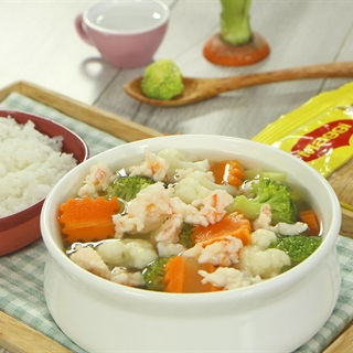 Cách nấu canh tôm bông cải đơn giản cho bé