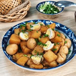 Khoai tây kho trứng cút