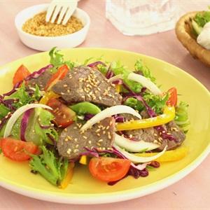 Salad bò sốt dầu giấm