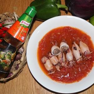 Mực nhồi thịt chiên sốt cà chua