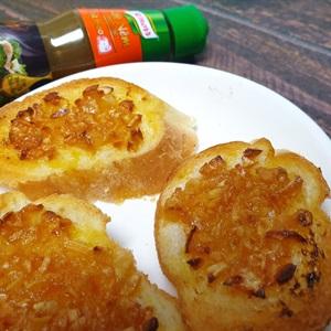 Bánh mì bơ tỏi đút lò