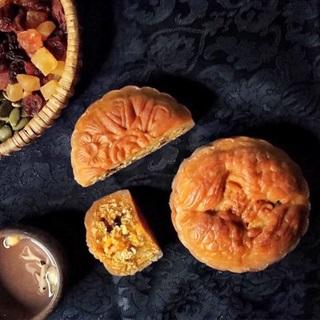 Bánh trung thu thập cẩm hạt trái cây