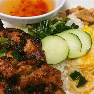 Cách Làm Cơm Tấm Thịt Sườn Nướng Thơm Ngon Hấp Dẫn