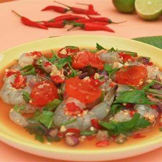 Cách Làm Salad Tôm Sống Trứng Muối Sốt Chua Cay