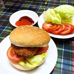 Hamburger nhân tôm