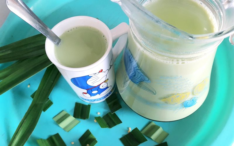 Cách Làm Sữa Đậu Xanh Hương Lá Dứa   Ngon Đơn Giản
