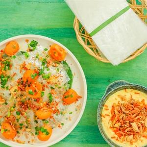 Bánh tráng chấm sốt bơ trứng muối và bánh tráng trộn trứng muối
