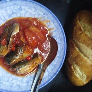 Cách Làm Bánh Mì Cá Hộp Sốt Cà   Đơn Giản Mà Ngon