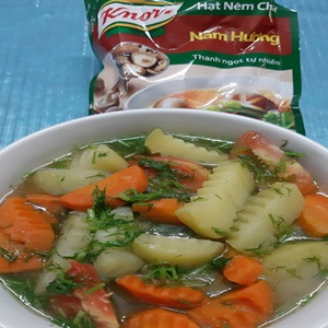 Canh khoai tây chay thập cẩm