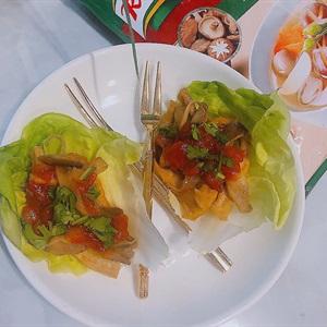 Tacos xà lách nấm đậu