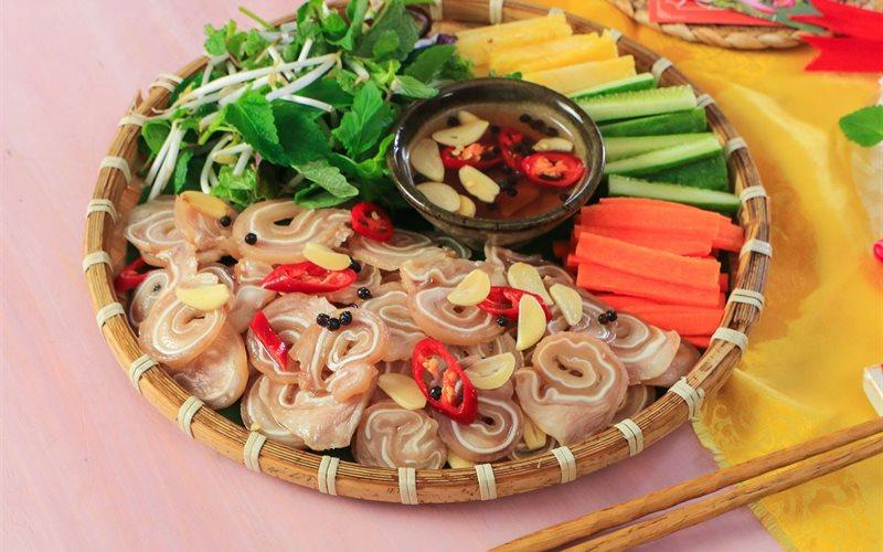 Cách Làm Tai Heo Cuộn Ngâm Mắm Chua Ngọt Ăn Liền Ngày Hôm Sau