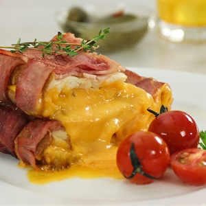 Bacon cuộn sandwich phô mai