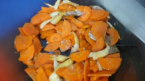 Canh cà rốt nấm bào ngư