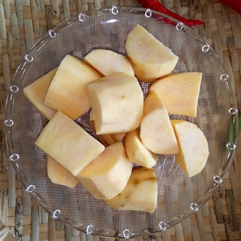 Canh khoai lang nấm hương