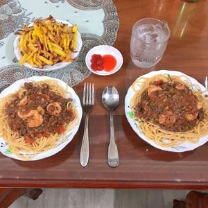Spaghetti và tôm lột
