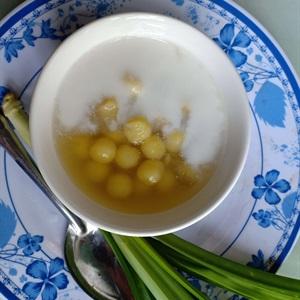 Chè hạt sen đậu ván