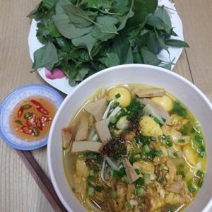 Mỳ quảng cá lóc miền Trung