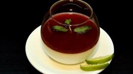 Cách làm Panna cotta dâu tây mềm thơm