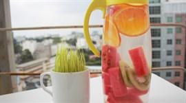 Cách làm thức uống detox từ cam - kiwi - dưa hấu